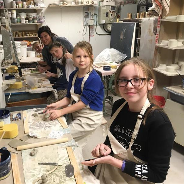 Kids pottery parties in Hampshire